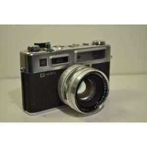 YASHICA Electro 35 Film Camera with Leather Case, 45mm Yashinon DX