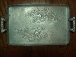 263 VINTAGE EVERLAST FORGED ALUMINUM HAMMERED TRAY WITH BEAUTIFUL