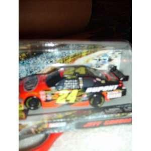 Winners Circle Jeff Gordon #24 Dupont 143 Scale Car Toys & Games