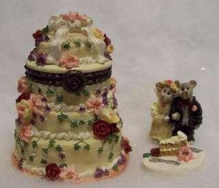 BOYDS TREASURE BOX, FOREVER LOVE WEDDING CAKE / BRIDE