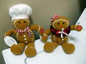 Chantilly Lane Gingerbread Boy & Girl Sings Christmas Holiday Song
