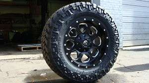 17 Fuel Off Road Boost Black Wheels 295/70 17 33 NR
