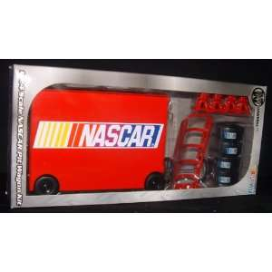 Motorworks 124 Scale NASCAR Pit Wagon Kit Toys & Games