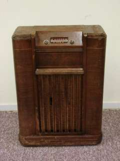 Philco A 361 Antique Console Tube Radio World War II Production Car
