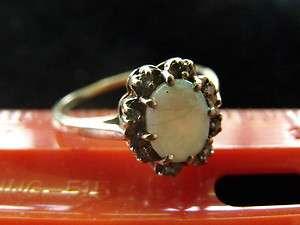 10K YELLOW GOLD GENUINE OPAL & DIAMOND RING SIZE 8 BEAUTIFUL