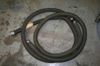 vacuum Nilfisk industrial shop vac