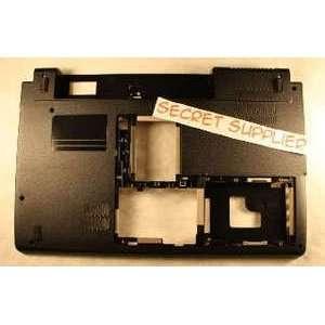 NEW Dell Studio 1555 Laptop Bottom Base W935J