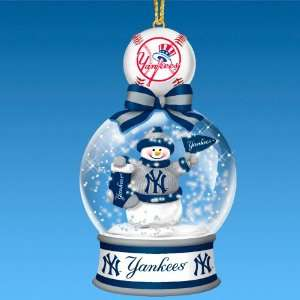 New York Yankees Snow Globe Ornament Collection