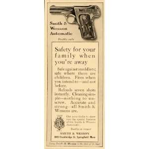 & Wesson Automatic Gun Pistol   Original Print Ad Home & Kitchen