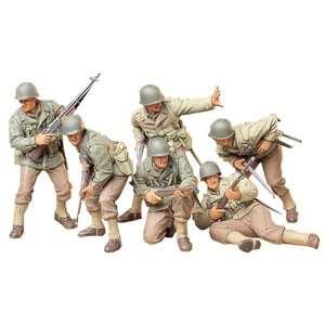 Tamiya 1/35 U.S. Army Assault Infantry Set: Toys & Games