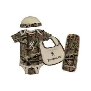 BROWNING BABY CAMO SET TAN ONESIE, HAT, BIB, BURP CLOTH