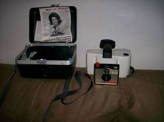 VINTAGE POLAROID LAND CAMERA MODEL 20 WITH HARD CASE